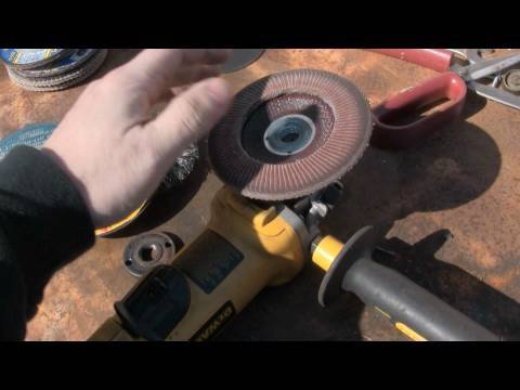 how to clean a grinder with alcohol