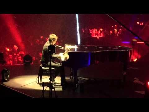 Muse - United States Of Eurasia (live in Ziggo Dome)