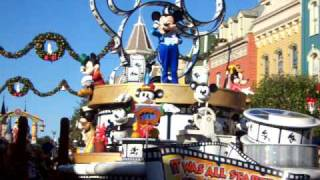 ディズニーワールド、マジックキングダムのパレードです。さすがミッキ...