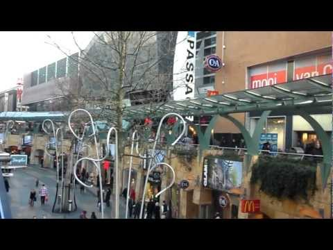 Shops along a tunnel in Rotterdam! | Rotterdam Attractions | 2bearbear.com