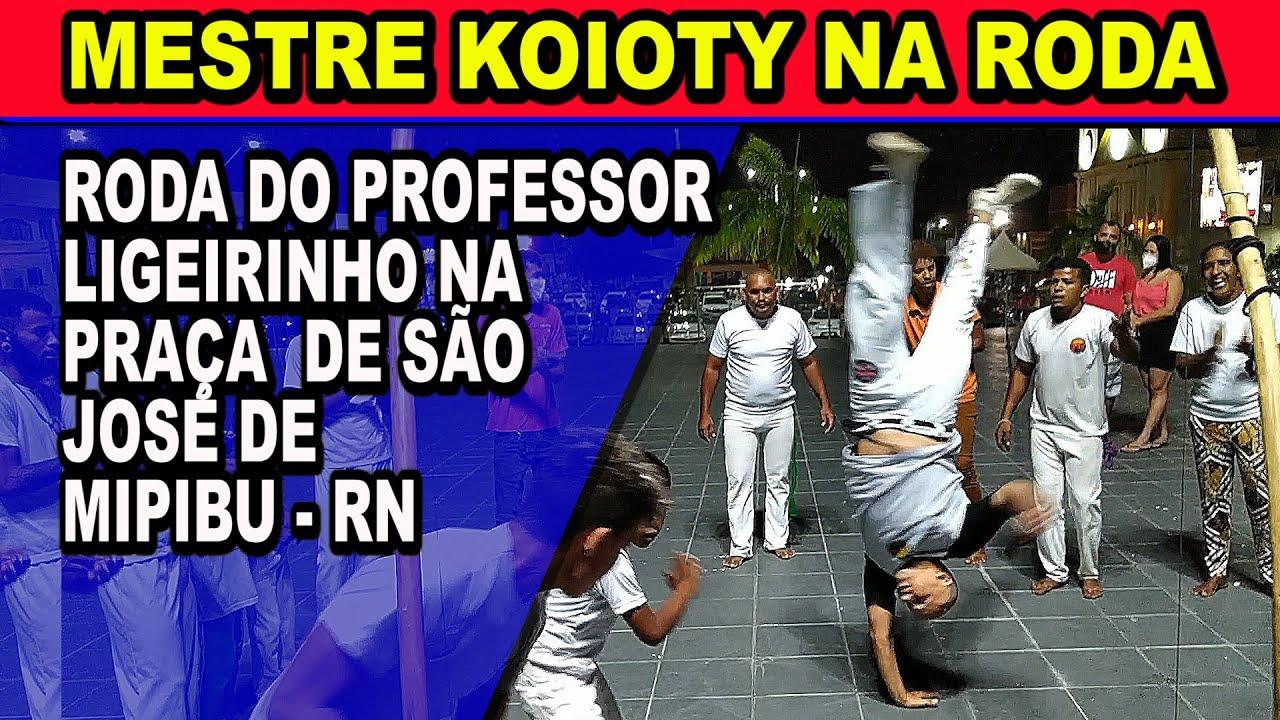 Mestre Koioty na roda do Professor Ligeirinho na praça de são José de Mipibu - RN