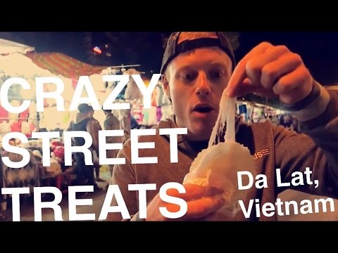 Da Lat Street Food Tour – Best Craziest Munchies in Vietnam (on Christmas!)