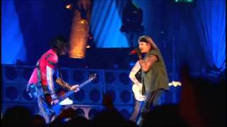 Mötley Crüe - Too Young To Fall In Love (Live)