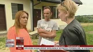 Wybudowali dom, sąsiadka zagrodziła im drogę dojazdową (Raport z Polski TVP Info, 05.07.2013)