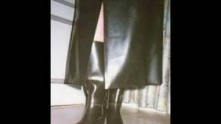 Repeat youtube video Girls in Rubber Boots 1_Slideshow_Birkin La gadoue