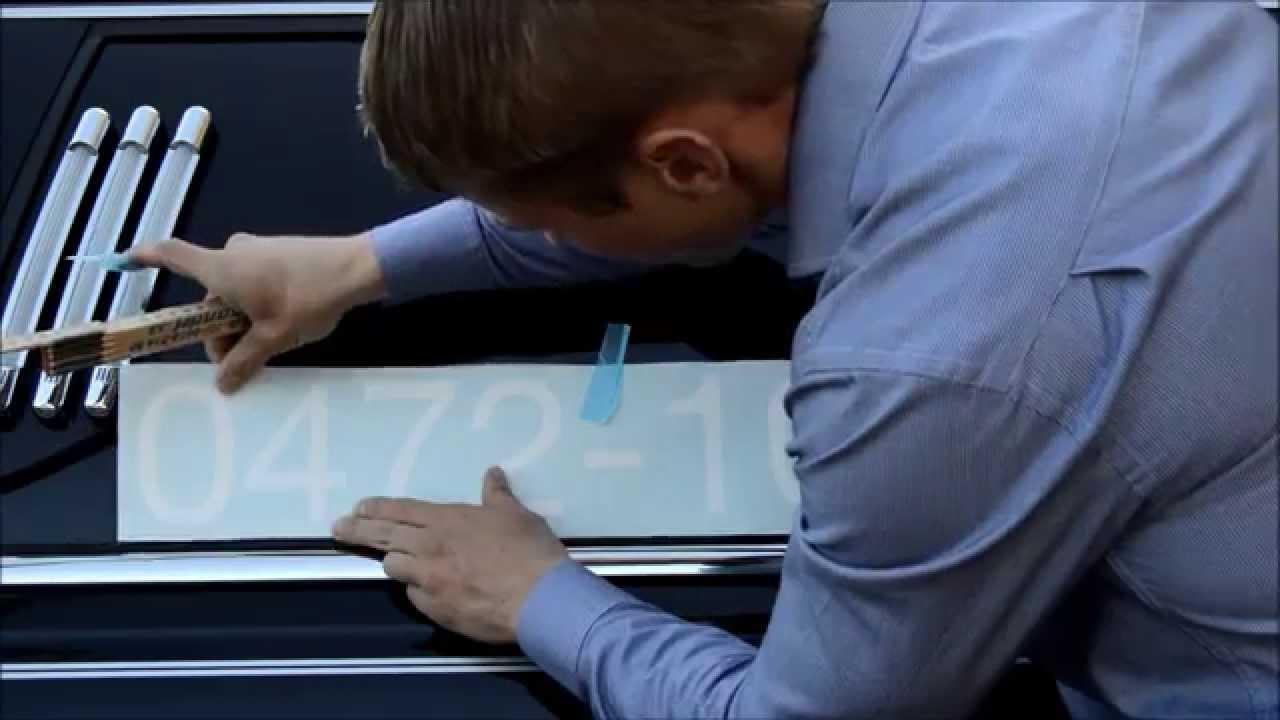 Ta bort klistermärken på bil