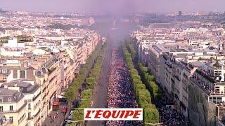 Les Bleus descendent les Champs-Élysées - Foot - CM 2018