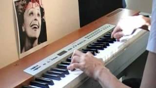 Je ne veux pas travailler piano - Pink Martiny (lyrics)