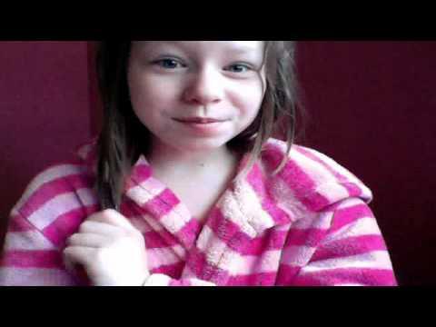 Videoklippet som hör till Svea Wihlsson inspelat med webbkamera den 21 juni 2012 02:14 (PDT)