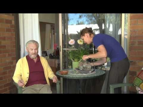 MESSAGE Communication in Dementia: Teaching Examples for Care Staff - With Subtitles