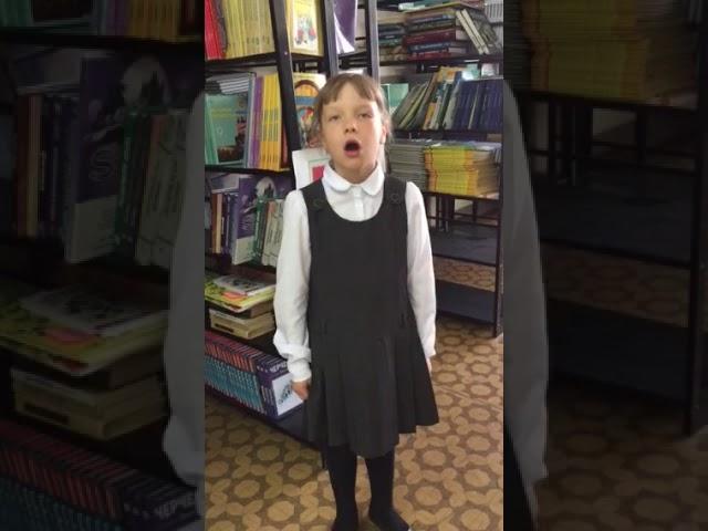 Изображение предпросмотра прочтения – ВикторияФомина читает произведение «Ах, ты, совушка-сова» (Русский фольклор )