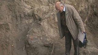 Средневековый замок времён РП раскопали в Брестской крепости(Археологи буквально из-под земли откопали бастион времён Речи Посполитой. Именно здесь, как утверждают..., 2013-09-27T13:47:11.000Z)