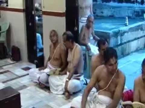 16SEP 2012;RECITATION SLOKAS YADAVABHYUDAYAM AT MUMBAI SRI KRISHNA SABHA