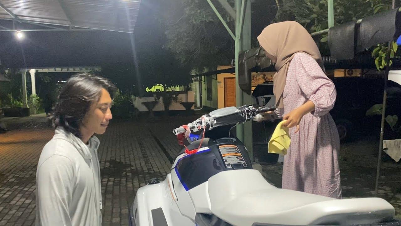 Tengah Malam Jadi Montir Jetski Lombok.