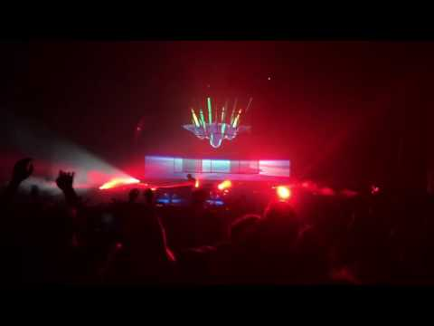 Flume dropping RL Grime's Core in Detroit 8-22-16