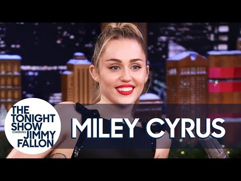 Miley Cyrus' Parents Smoke Weed and Play with Hummingbirds