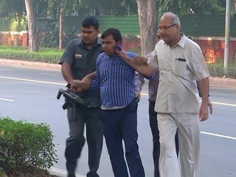 Master Stroke Full(25.10.18): 4 IB Men Caught 'Snooping' Outside Alok Verma's House | ABP News