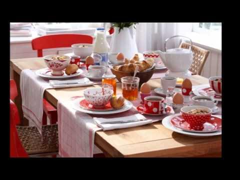 Студия Юлии Высоцкой: белковое печенье, сервировка стола и сетевые группы взаимопомощи