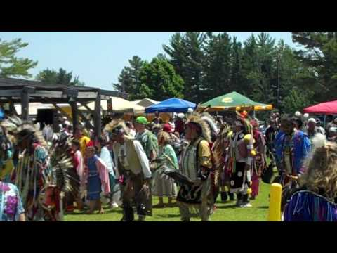 Red Cliff powwow
