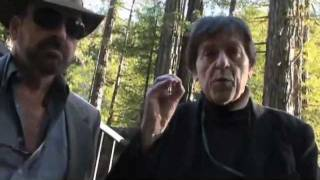 Illuminazi Bilderberg West Bohemian Grove - Anthony J Hilder Robert Hammond (LR)