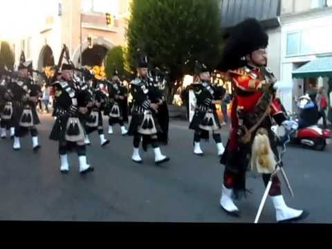 Pipes & Drums of the Canadian Scottish Regiment ( Princess Mary