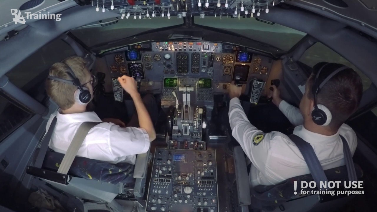 Boeing 737 CL flight with unreliable airspeed - BAA Training