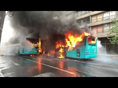 3 أشخاص قضوْا حرقا في تشيلي.. الغضب الشعبي يشعل البلاد والرئيس بينيرا: أنا فهمتكم…  - نشر قبل 2 ساعة