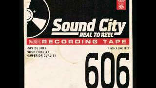 Sound City - The Man That Never Was (Grohl, Hawkins, Mendel, Smear, Springfield)