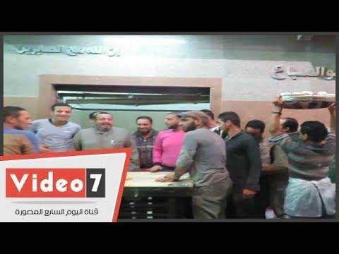عمال مصانع -حلاوة المولد - يحتفلون بموسم الإنتاج-  - 14:22-2017 / 11 / 21