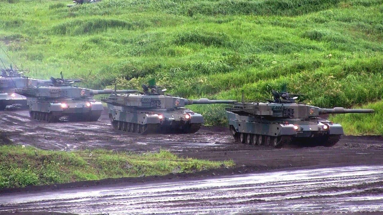 e59101df7f5c Japan s Mitsubishi Type 90 Main Battle Tank Rheinmetall L44 120mm gun JGSDF  2014