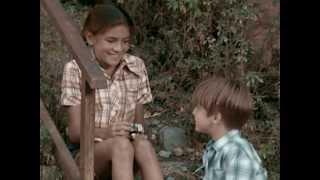 Cuéntame cómo pasó - Carlos conoce a Mayka (Cap. 5, Temporada 1)