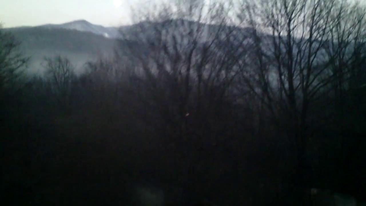 Из окна двухэтажки на рассвете скорый №104/103 Москва ...