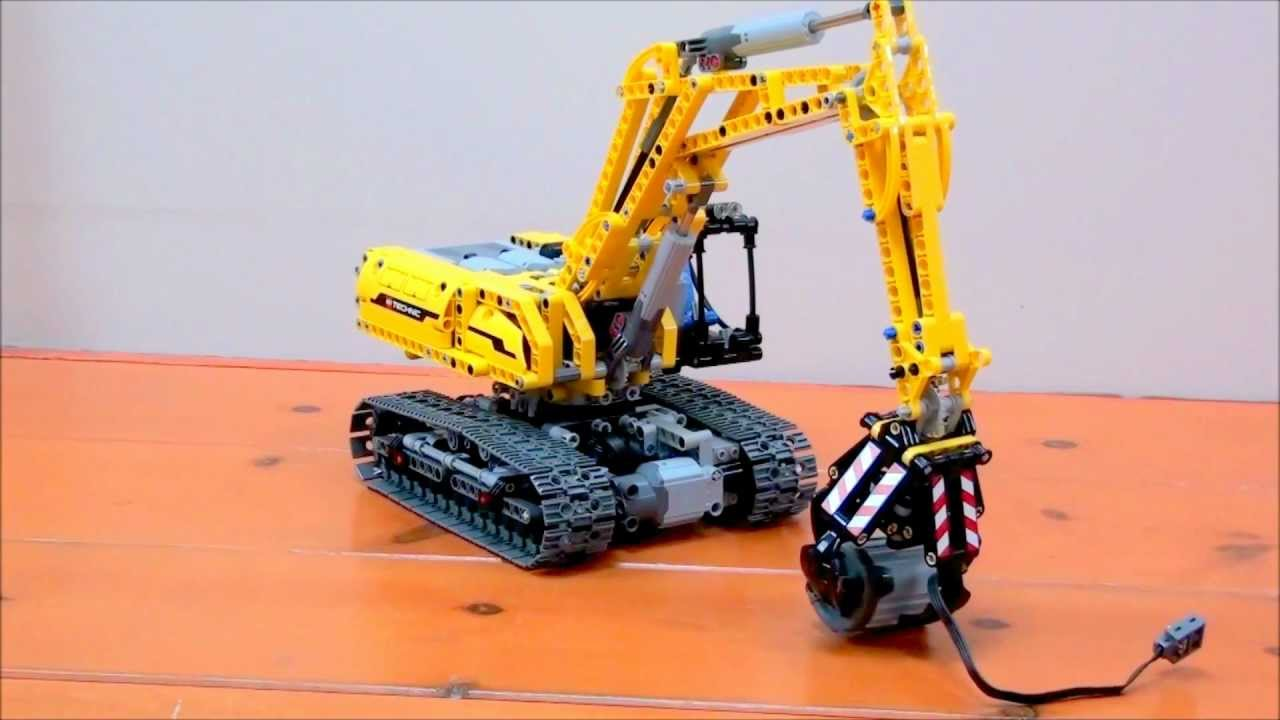 Compact Fully Motorized Lego Technic 42006 Excavator Youtube