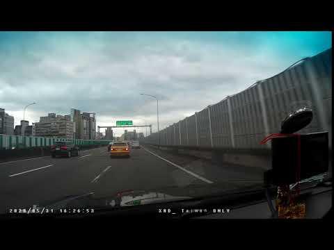 計程車531-2G號變換車道未依規定使用方向燈