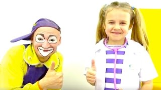 Clown videos for kids -  Playing Doctor - Videos for kids - Meet Clown Andrew