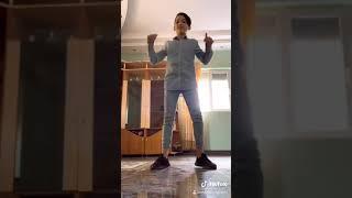 Tigani care dansează