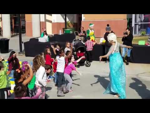 Party Karacters with Elsa and the Grinch at Moreno Valley Mall
