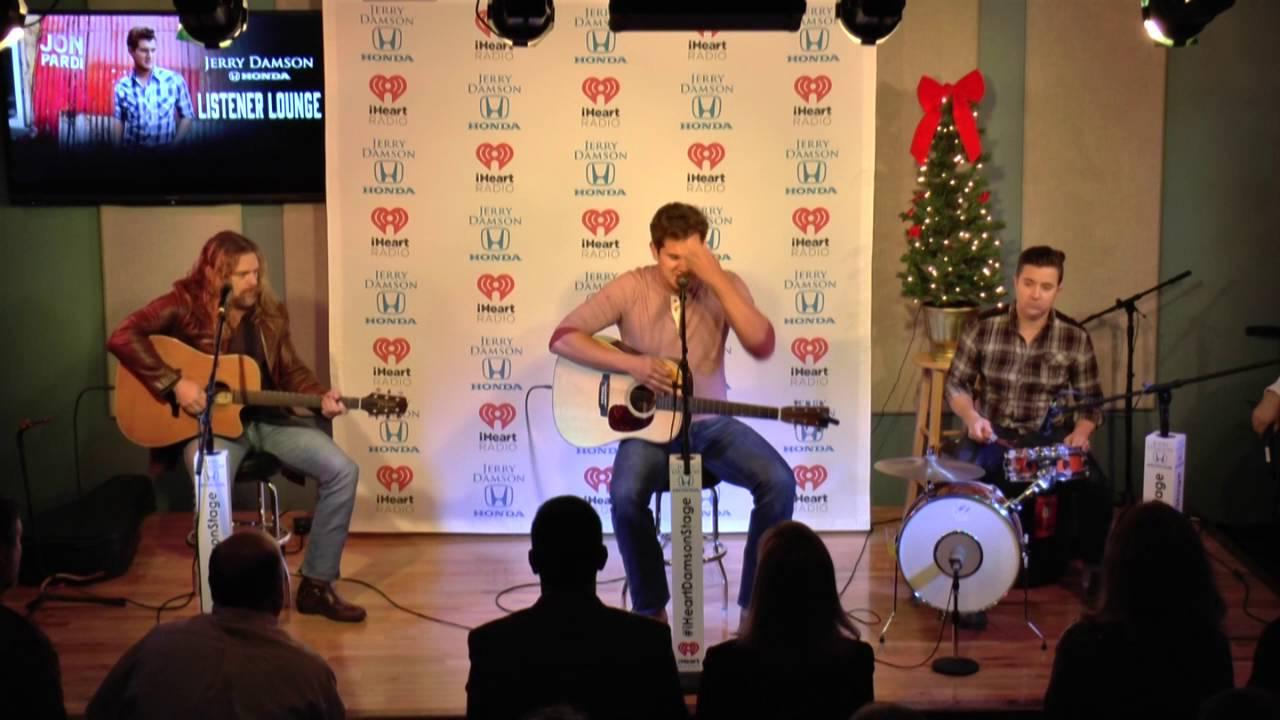 Jon Pardi Sings an Elvis Christmas Song - YouTube