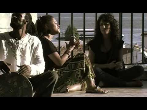 Sara Tavares   Alive In Lisboa   De Nua a cappella with Ana Moura
