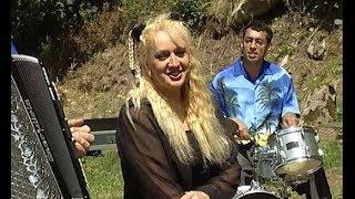 Dans ton Auvergne par Gwennaëlle et James LESUEUR