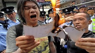 Hong Kong Renegade Lawmaker Faces Purge | China Uncensored