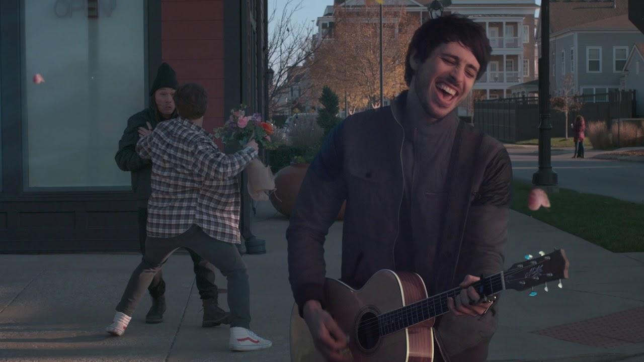 "Morgan Evans - ""Kiss Somebody"" (Official Music Video)"