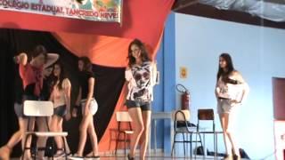 V show de talentos colegio tancredo neves 20 11 2013  2