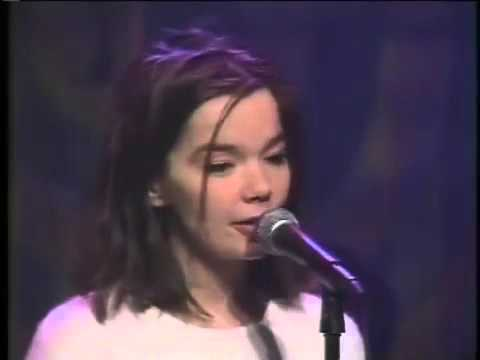 BJORK - GREAT INTERVIEW + COME TO ME & AEROPLANE LIVE [TV PERFORMANCE]