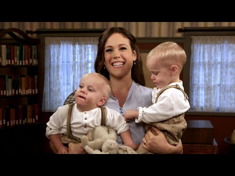 'When Calls The Heart': WATCH Twin Babies Take Over Erin Krakow's Interview! (Exclusive)