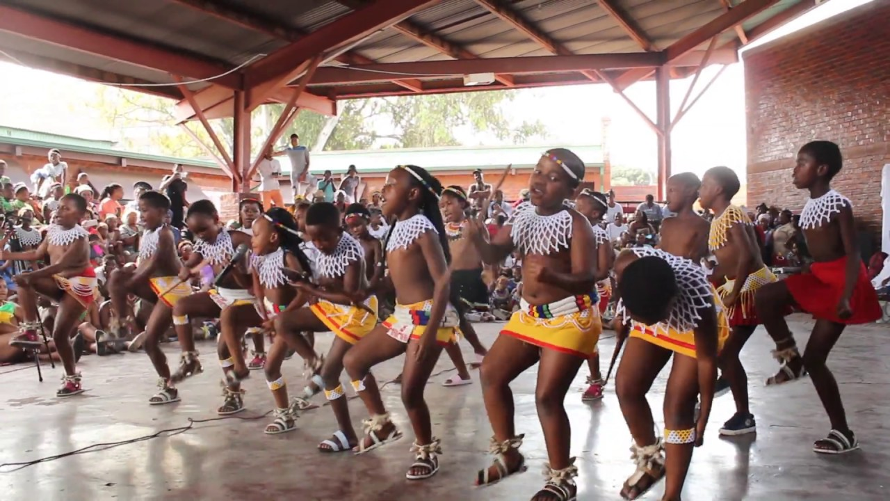 Amazing🥰 South african zulu Kids can sing and dance 💃 traditional songs