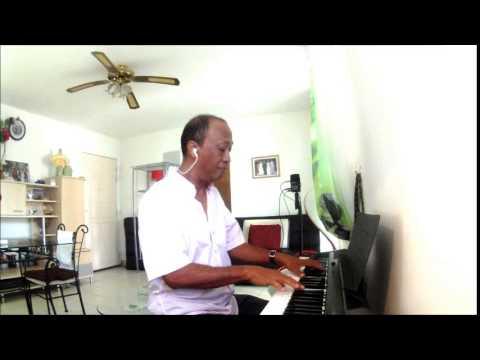 NALEOKO RE  kalon'ny fahiny piano by Sammy RAKOTOARIMALALA