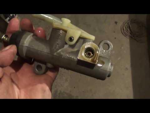 Geely Ck ремонт сцепления (главного цилиндра).