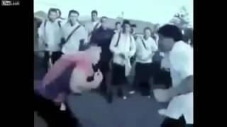 Dövüşecegi kişi boksör çıktı 4 yumrukta nakavt oldu