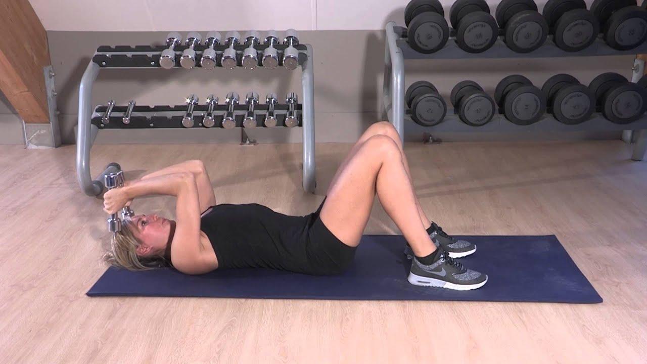 Exercice de fitness pour raffermir les bras (triceps